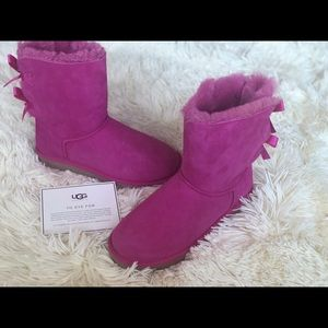 New UGG Bailey Bow Size 7 Pink